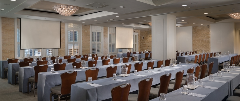 Verona Ballroom Classroom Style Meeting with Screens Riverwalk Hotel
